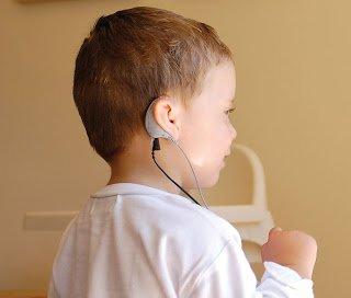Tratamiento en niños con deficiencia auditiva